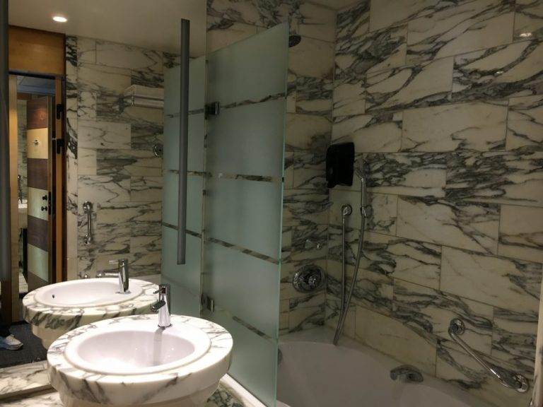 Bathroom Hilton Stockholm