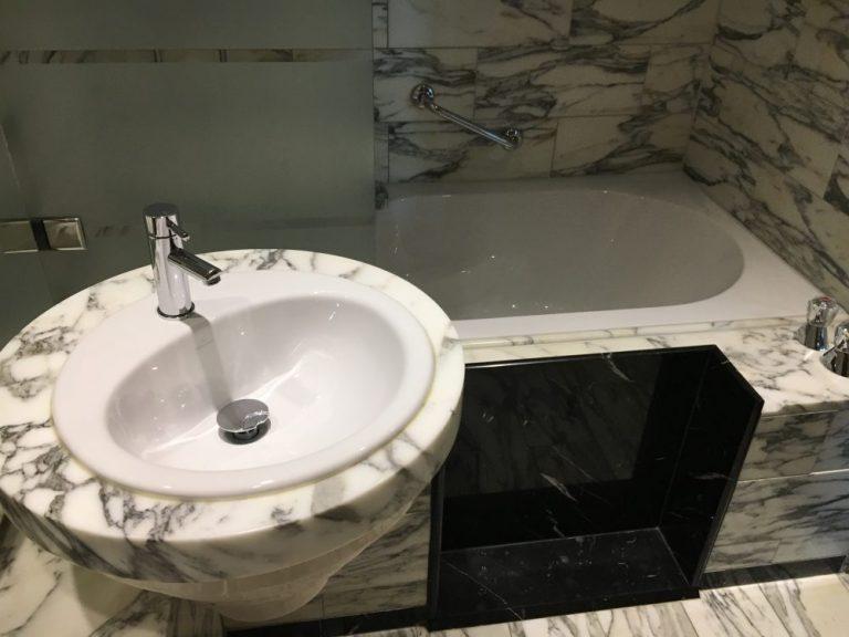 Hilton Stockholm Bathroom
