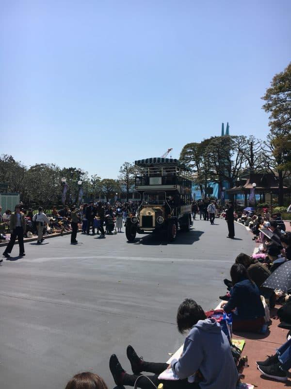 Tokyo Disneyland rides & attractions parade