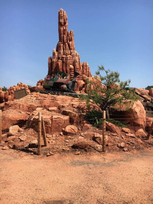 Tokyo Disneyland rides & attractions big thunder