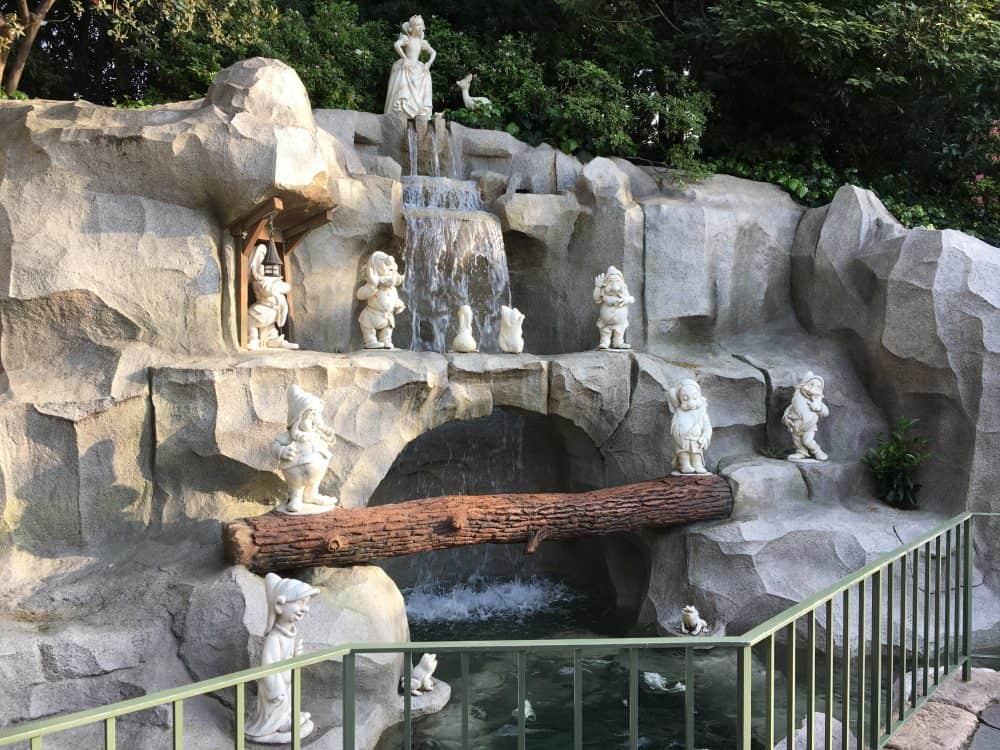 Tokyo Disneyland rides & attractions Behind cinderellas castle