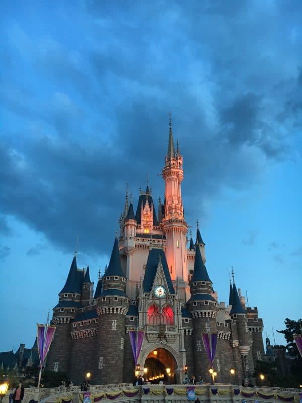 Tokyo Disneyland rides & attractions Cinderella castle