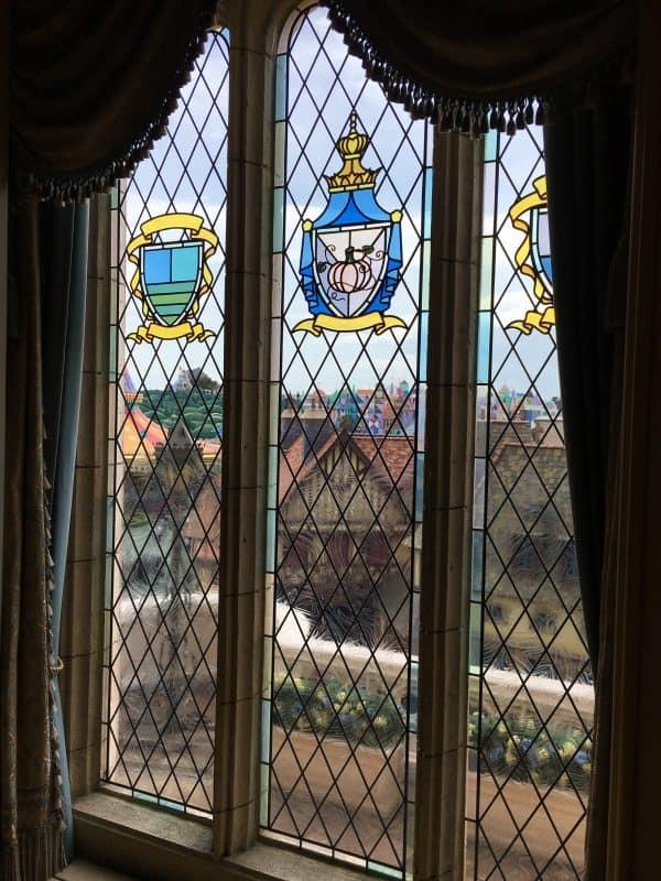 Tokyo Disneyland rides & attractions Cinderella castle view