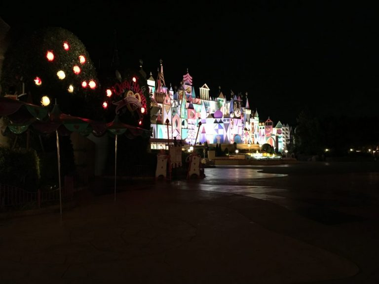 Tokyo Disneyland rides & attractions it's a small world at night