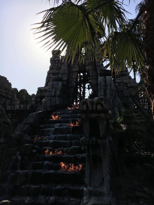 Indiana Jones Tokyo Disneysea rides & attractions