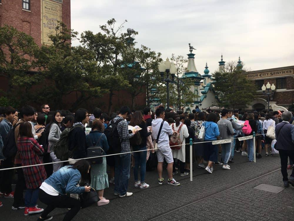 Toy Story mania queue Tokyo Disneysea rides & attractions