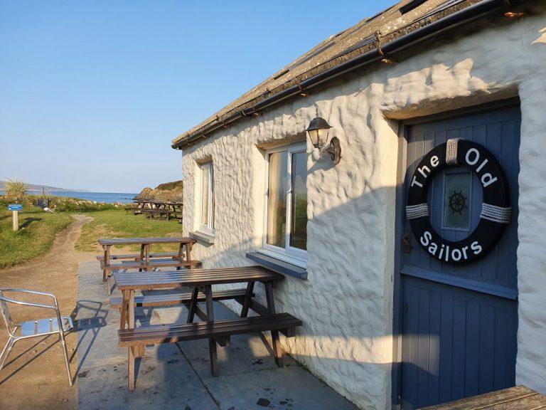 The Old Sailors Pub Pwllgwaelod