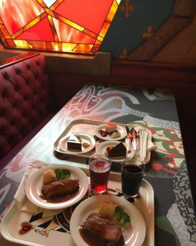 Food at Queen of Hearts Tokyo Disneyland